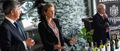 Radovan Blažek (spolumajitel společnosti Alkohol.cz, vlevo), Její Výsost princezna Marie von und zu Liechtenstein a Josef Weimeyer (enolog lichtenštejnského vinařství)